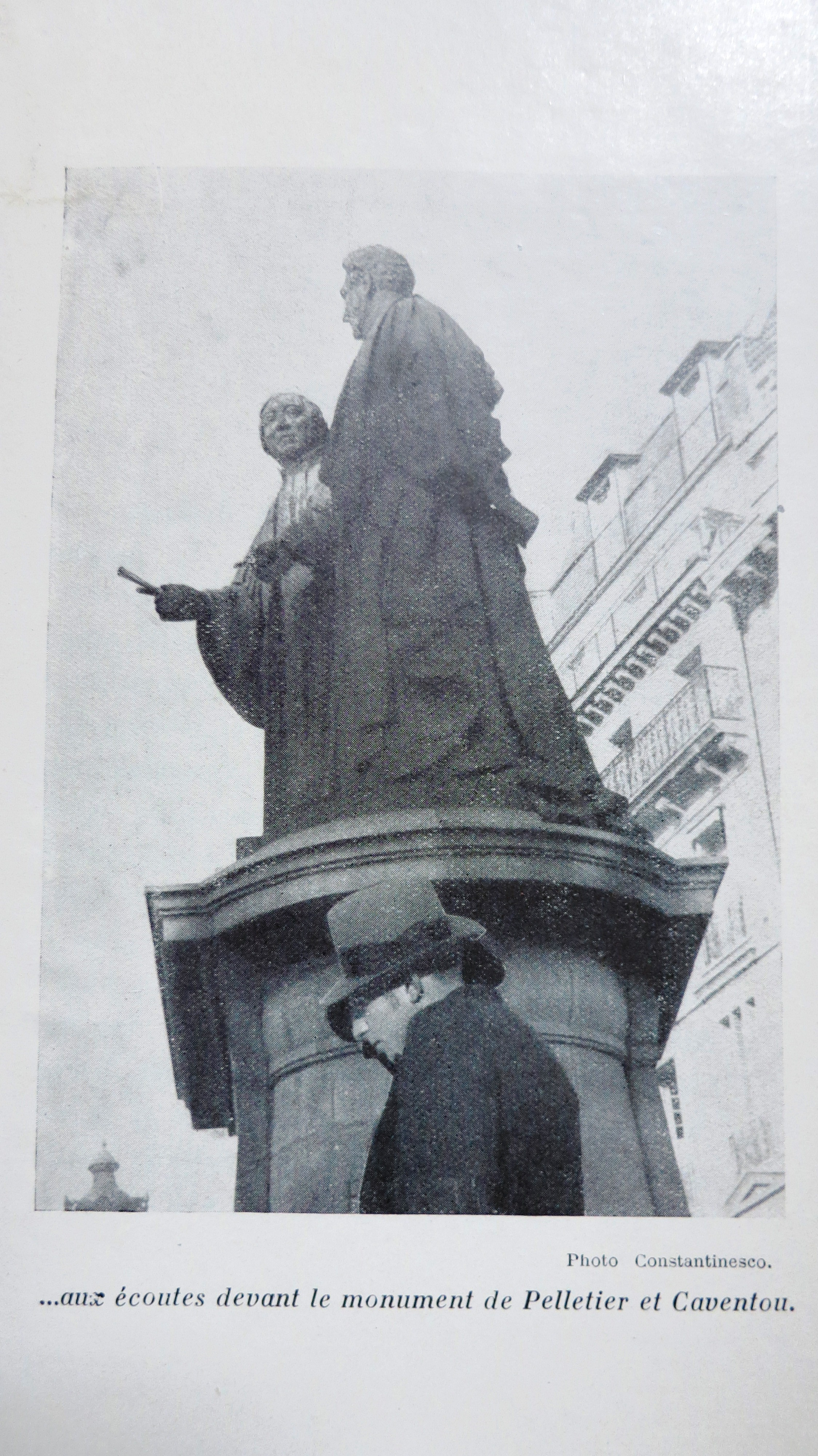 La fin de Paris ou la Révolte des statues