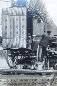 Inondation de la Seine en 1910. Album de cartes postales.